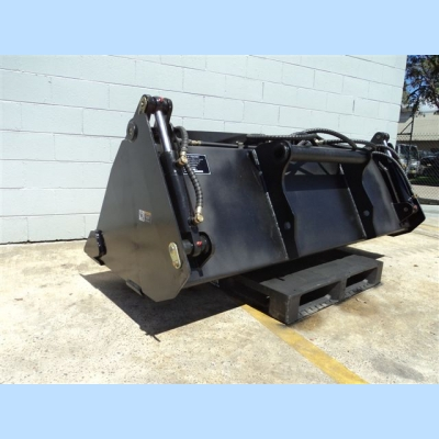 4 In 1 loader buckets